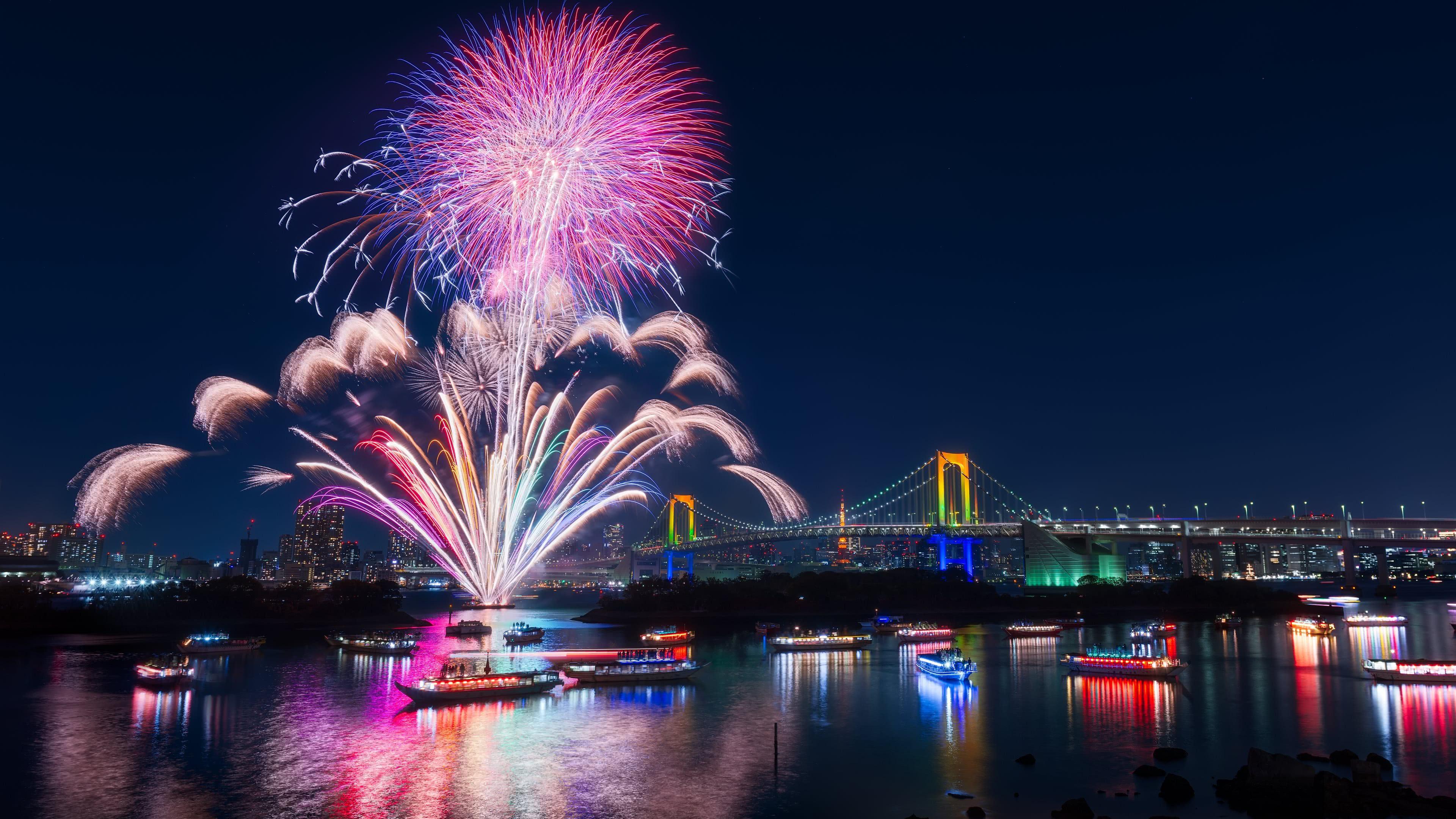 tokyo fireworks 4k wallpaper