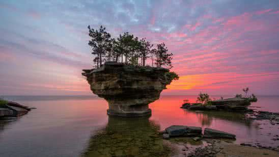 turnip rock port sunset austin michigan united states uhd 4k wallpaper