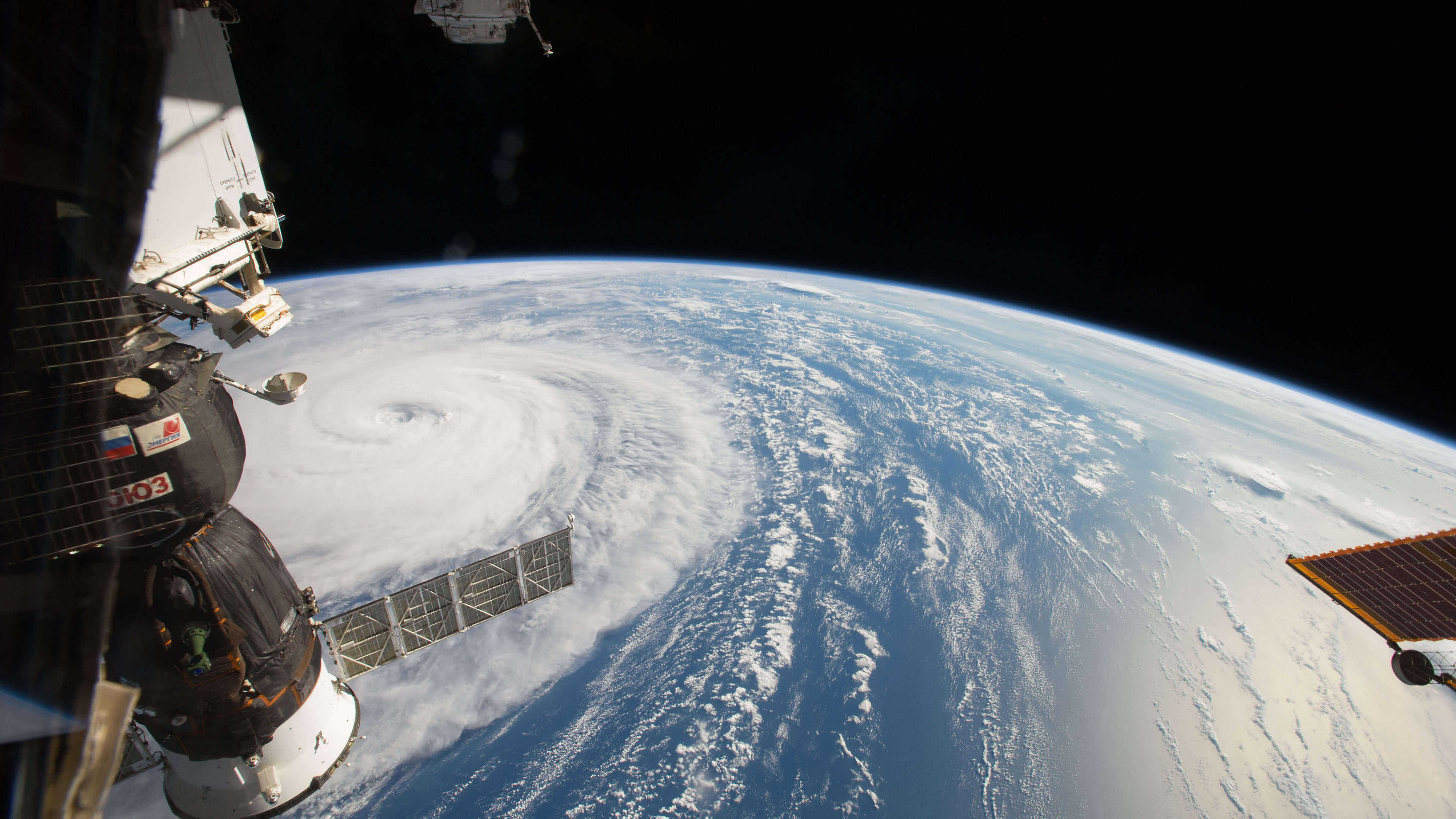 Iss Wallpapers Hd: ISS Typhoon Noru UHD 4K Wallpaper