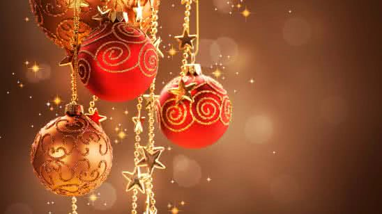 christmas tree balls red and gold uhd 8k wallpaper