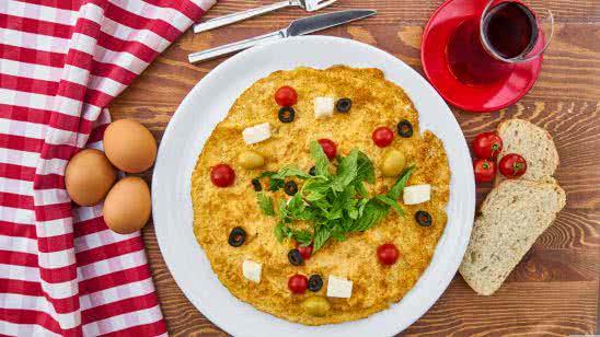 homemade breakfast omelet uhd 8k wallpaper