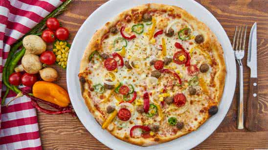 homemade vegetarian pizza uhd 8k wallpaper