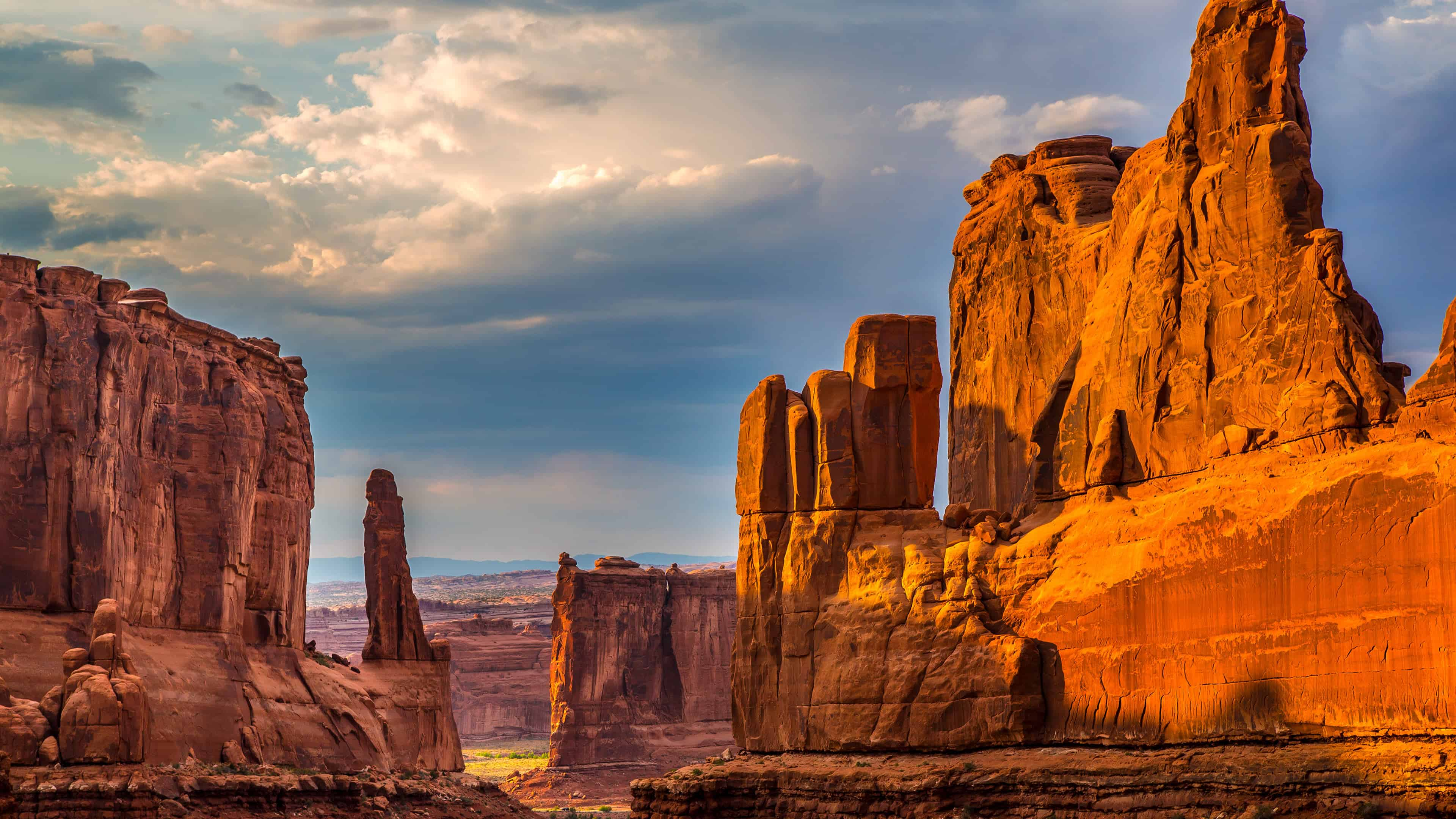 courthouse towers arches national park utah united states uhd 4k wallpaper