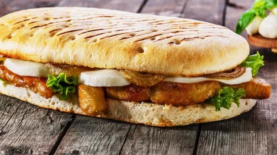 grilled chicken panini uhd 4k wallpaper