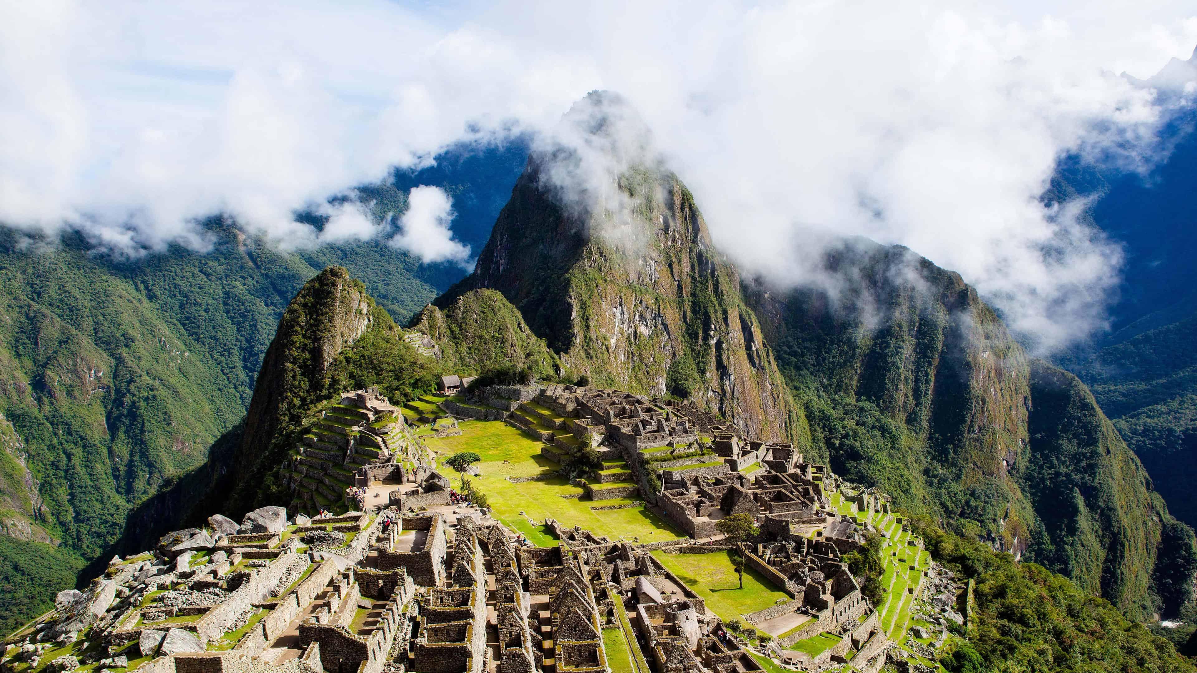 Machu Picchu With Clouds Peru Uhd 4k Wallpaper