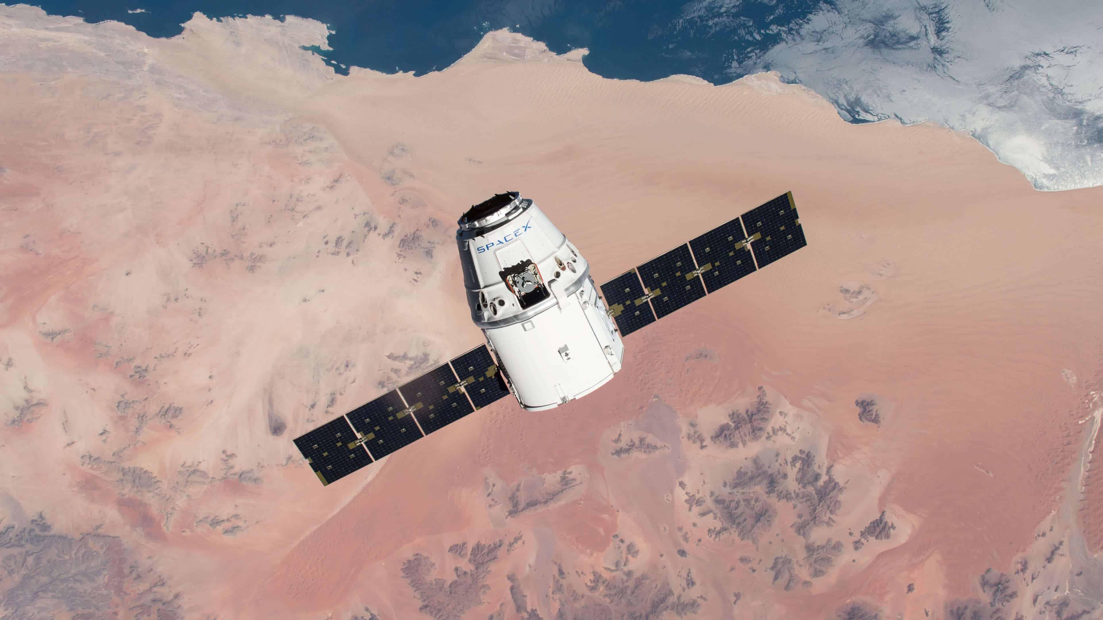 Spacex Dragon Capsule Uhd 4k Wallpaper Pixelz