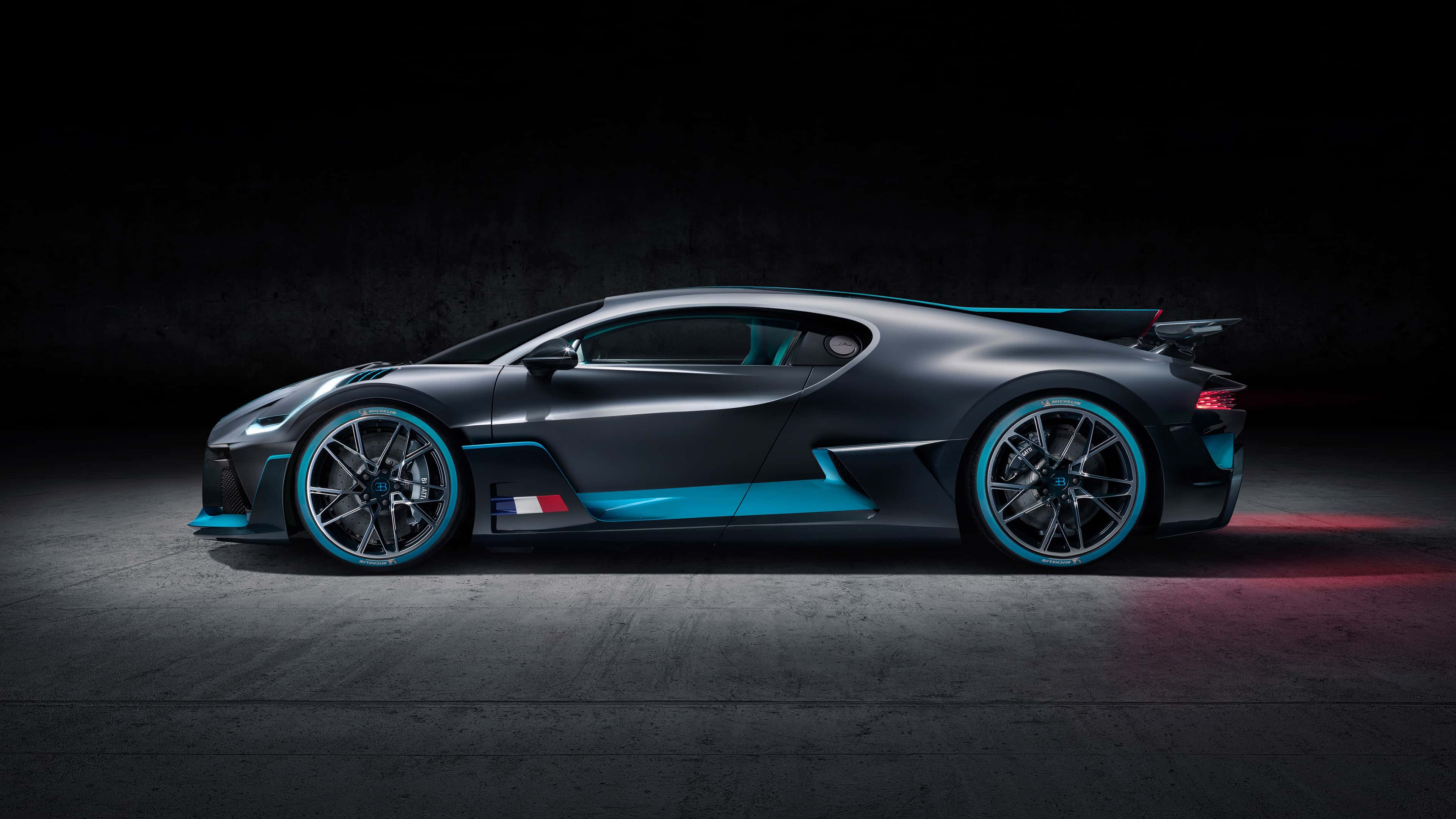 bugatti divo side uhd 4k wallpaper