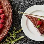 choclate cake and raspberries uhd 4k wallpaper