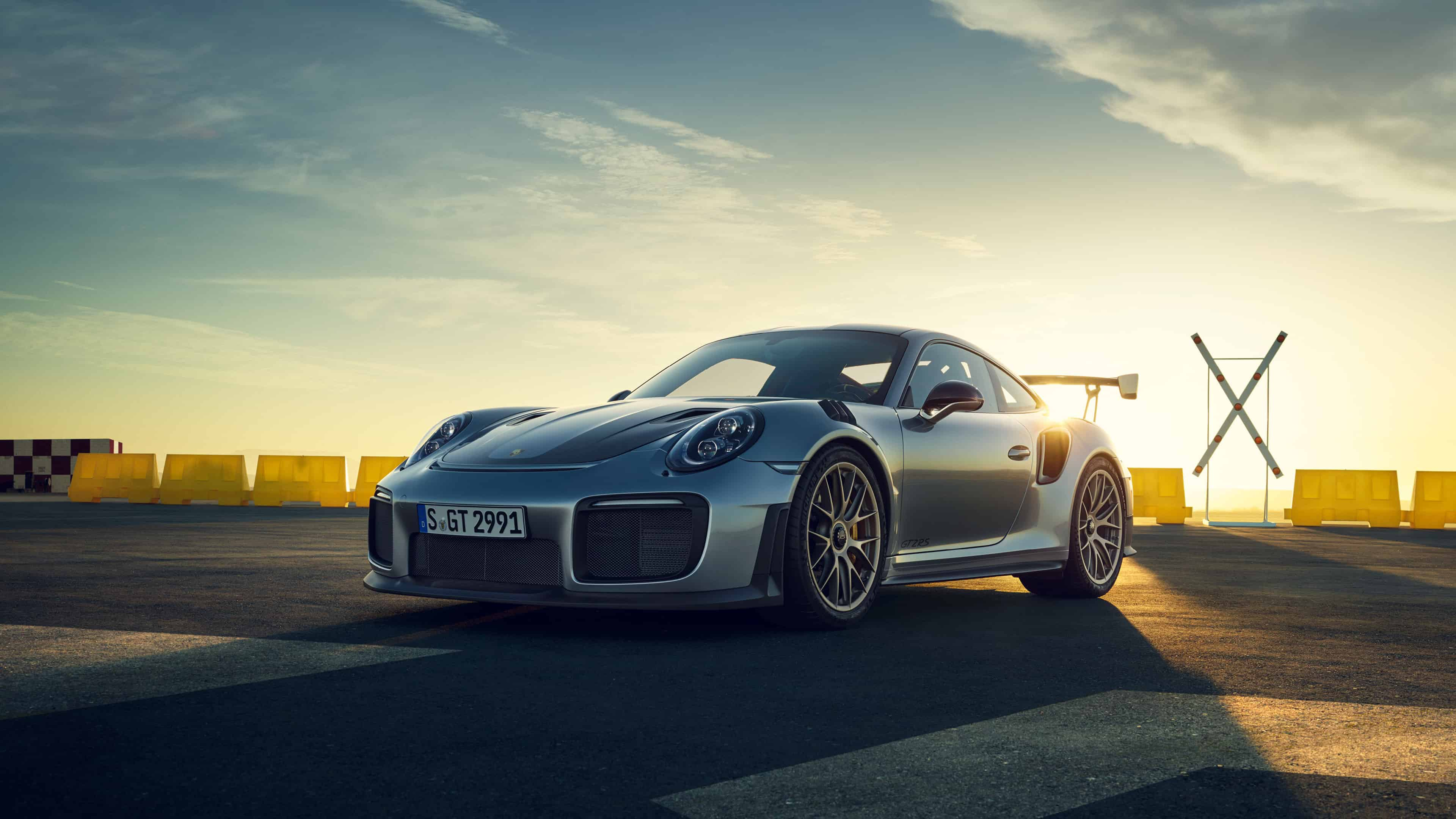 Porsche 911 GT2 RS UHD 4K Wallpaper