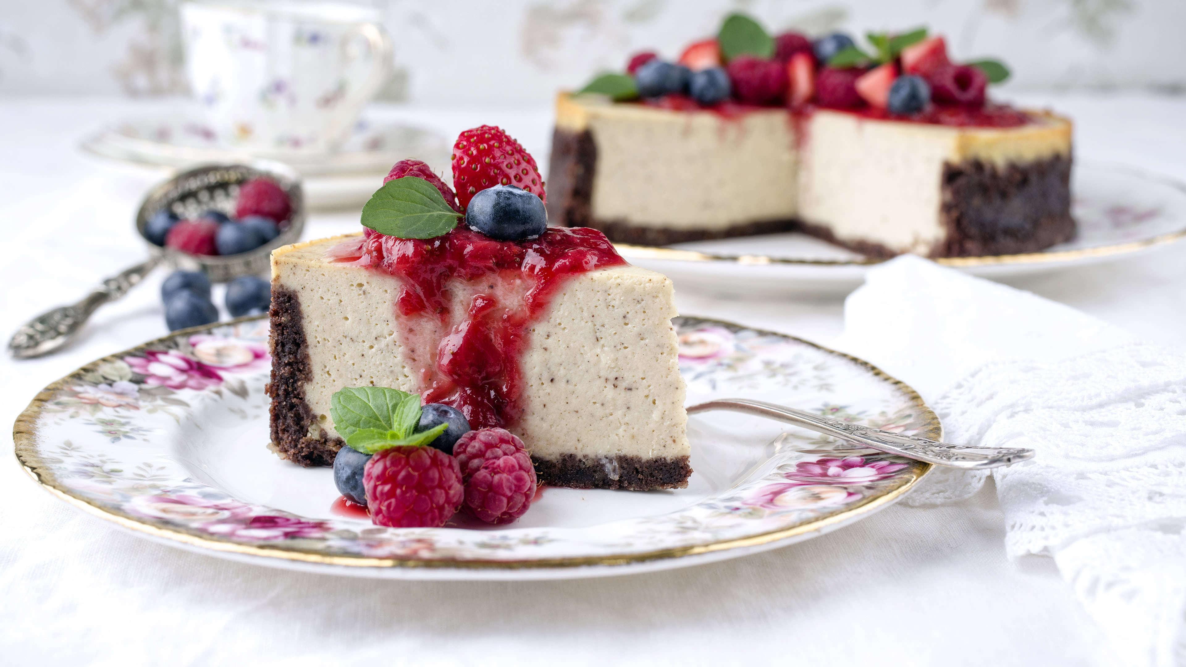 blueberry raspberry cheesecake uhd 4k wallpaper