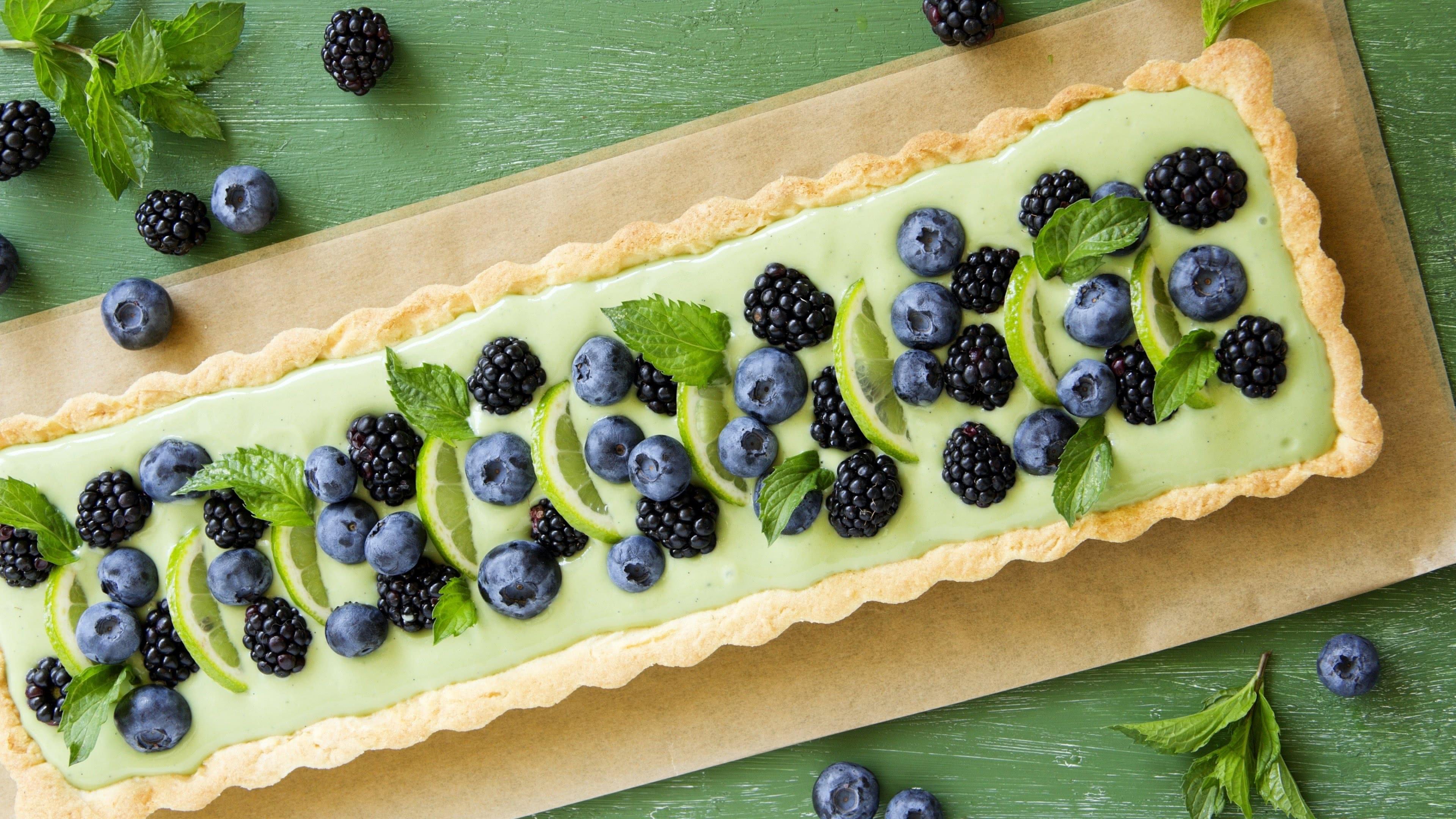 fruit pie blueberry blackberry mint uhd 4k wallpaper