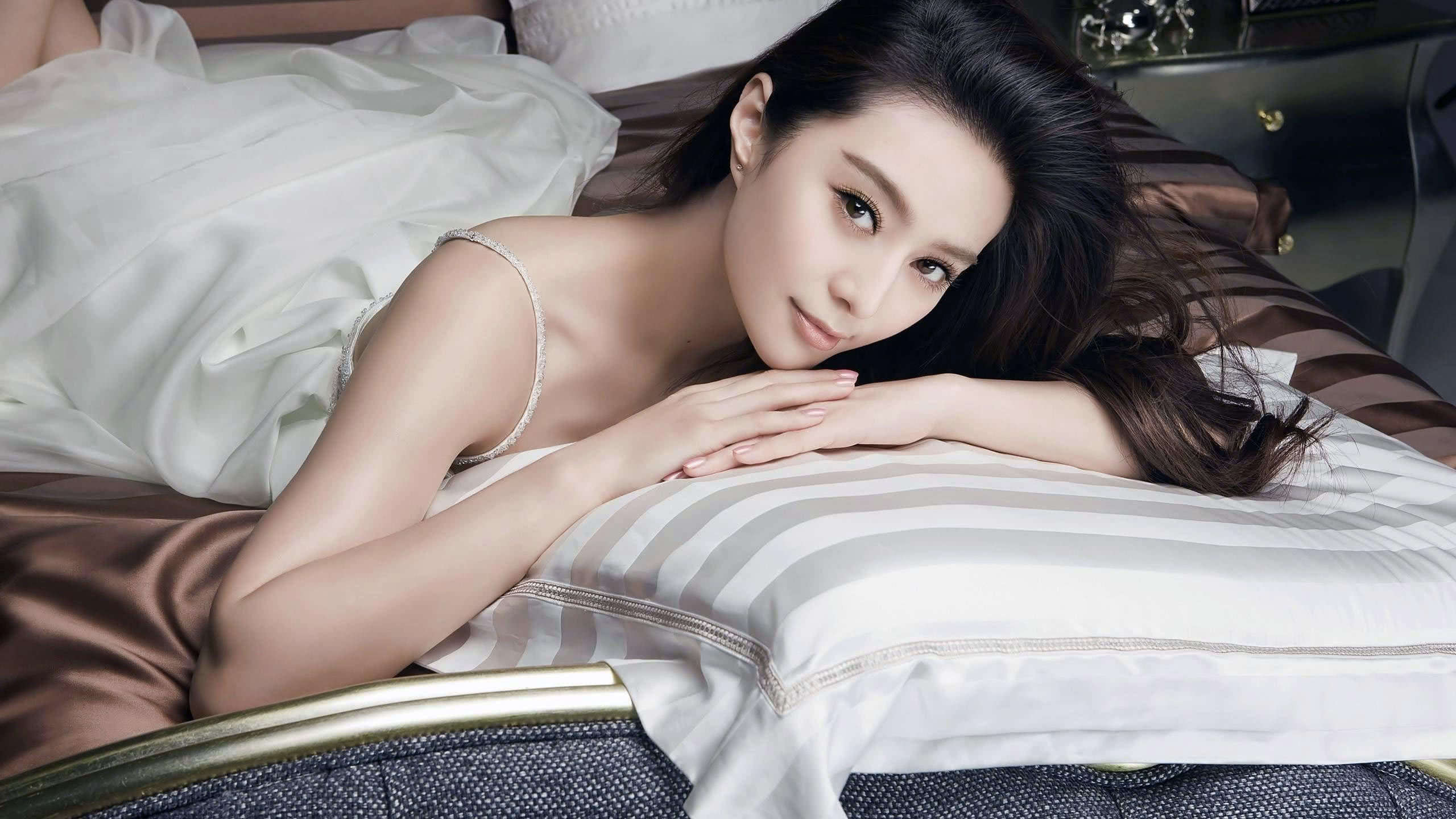 fan bing bing photoshoot wqhd 1440p wallpaper