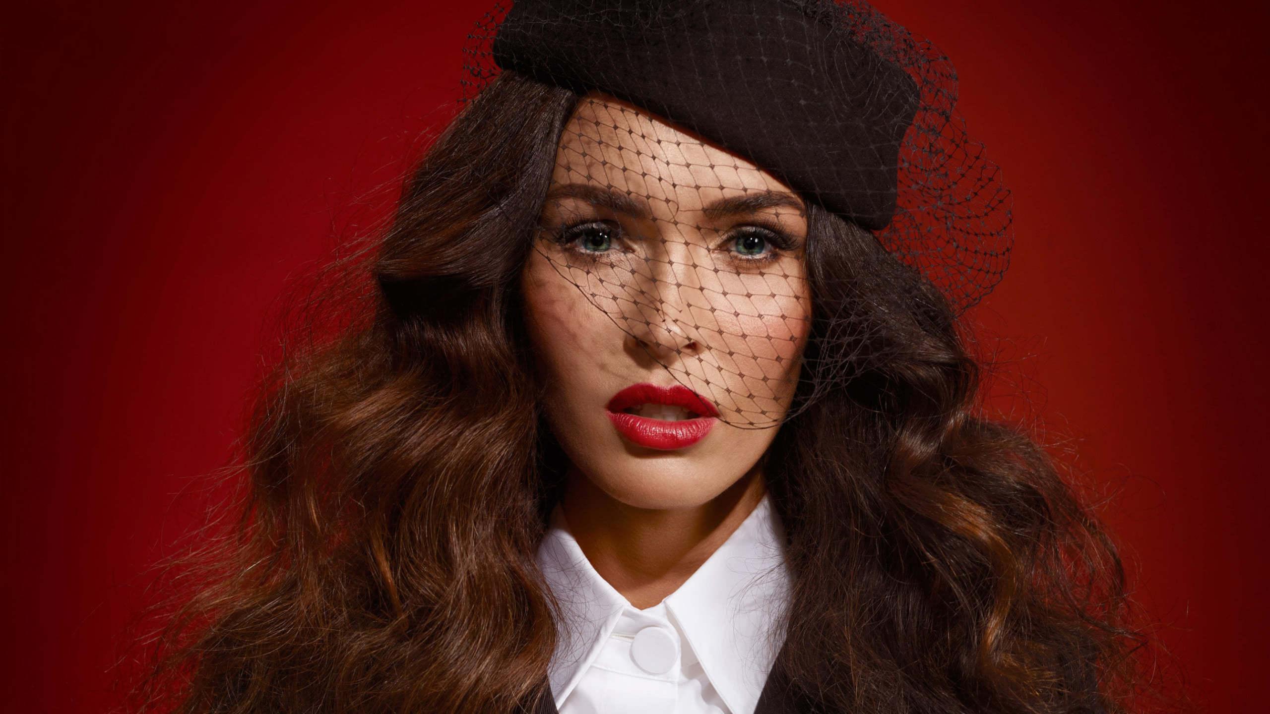 Megan Fox Portrait Wqhd 1440p Wallpaper Pixelz